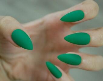 Kelly Green Full Cover Stiletto Nails *Set of 20* [Matte or Glossy] Fake nails, False nails, Stiletto nails, Glue on nails, Press on nails