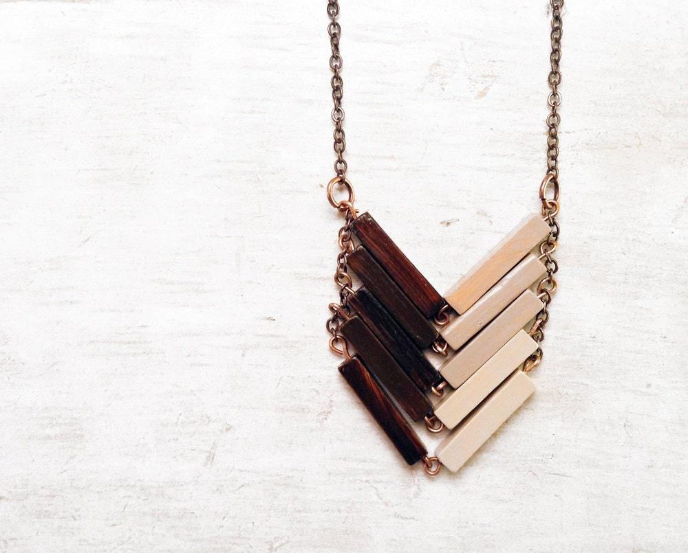 Wood Geometric Necklace. Minimalist gift for sister. Minimal gift for her. Gift for boho bride. Boho gift for hippy daugther. FRENCH VANILLA