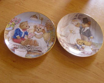a pair of franklin mint limited edition porcelain cabinet plates/wedding gift/anniversary gift/wall plates