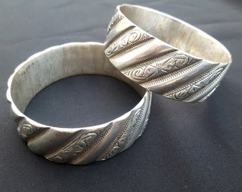 Morocco - Pair of Bracelets silver from Fes stamped AH 1342 (1923)