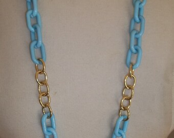 REDUCED:  Ultra MODERN & CHIC Lucite Chainlink Necklace