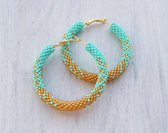 Beaded mint and gold ombre hoop earrings - Beadwork - beaded earrings - seed beads earrings - Geometric pattern earrings