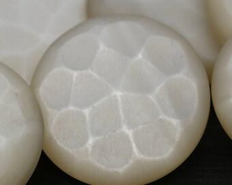 "Off White Plastic Button/ 1 Dozen/ Fish Scales Button/ Shank Button/ 23mm / 36L / 15/16"" 34mm 54L 1 3/8"" / BL007"