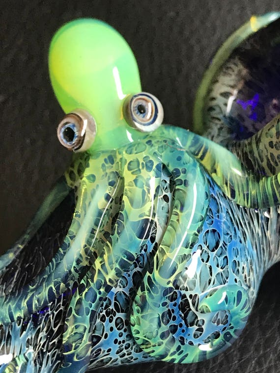 Glass Pipe Octopus
