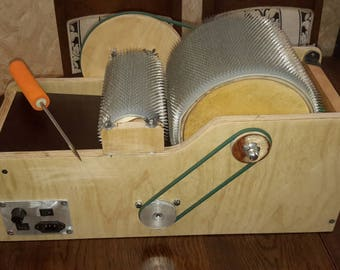 Motorized electric wool drum carder