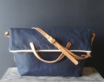 Waxed canvas foldover crossbody bag - Navy