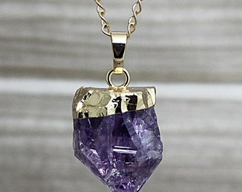Raw Amethyst Point Pendant Necklace// Amethyst Gemstone Necklace Available in Gold or Silver Electroplated // Summer Fashion