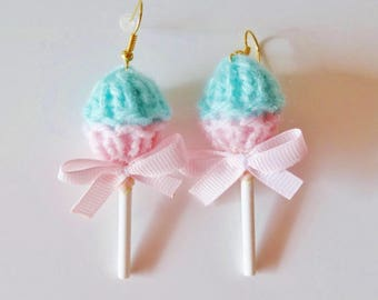 Earrings shaped pink lollipop and lagoon