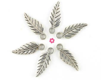 x 10 (287D) 18x6.5mm silver feather charm