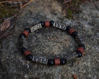 Mens bead and wood bracelet