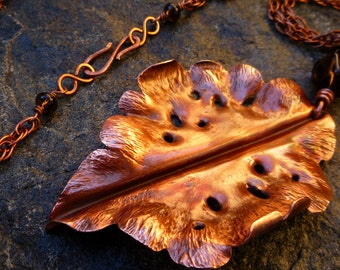 Long copper necklace Copper leaf necklace Copper necklace Contemporary copper jewelry Modern jewelry Hammered copper Metalwork jewelry