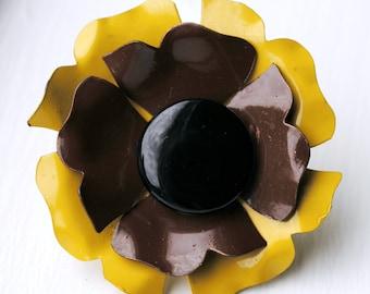 Mod Enameled Flower Power Pin - SALE