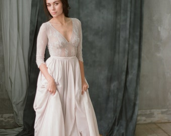 Non-corset A-line silhouette lavender wedding dress with a lace bodice // Simple wedding dress // Modest wedding dress // Lace wedding dress