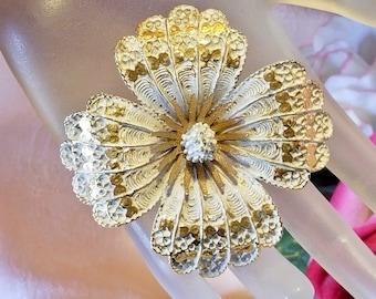Capri White & Gold Enamel Floral Flower Pin Brooch Vintage Retro