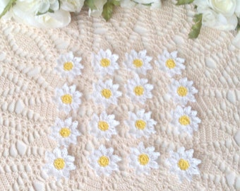 16 Lacy Crochet Pointy Daisies - 1 1/2 inch or 3 3/4 cm