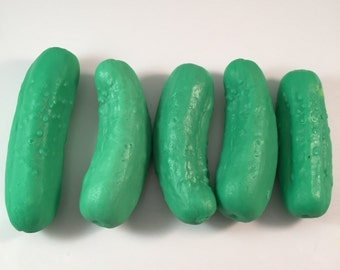 Pickle Soaps / Dill Pickle Soap Set / ~6 oz total/ Goat Milk Soap / Pickle Pack Soap / Party Favor / Set of 5 Soaps