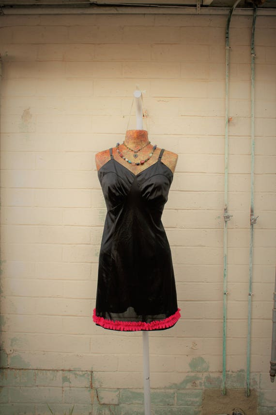 Large Black slip dress/Little Black Dress/Slip Dress/Black Lace Fairy/Vintage Black slip/Mad Men/Vintage Slip/Gothic Dress/Vintage Lingerie