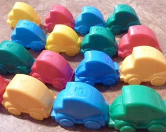 17 Miniature Toy Car Plastic Vehicles Play Craft Party Favor Assemblage Supply Lot Game Piece Pieces (# 1564)