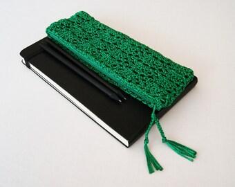 Emerald Green Pencil Pouch, Crochet Pencil Case, Pencil Holder, First Day of School Gift, Student Gift, Teacher Appreciation Gift, Handmade