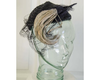 Vintage 1940's Woman's New York Creation Navy Blue Straw Fascinator Hat with Feather