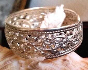 """Vintage Domed Filigree Cut Out Design Sterling Silver 925 Cuff Bracelet 7/8"""" Wide 20.3 Grams"""