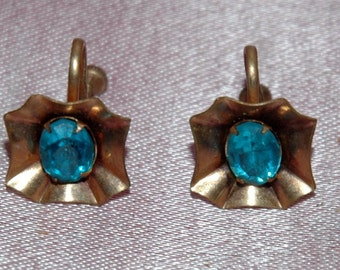 Turquoise Rhinestone Screwback Earrings.  Vintage