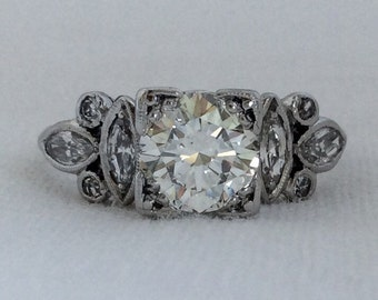 Art Deco 1.55 carats Vintage Diamond Engagement Platinum Ring