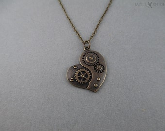 SOLDES - collier à breloques coeur Steampunk engrenage - Bronze