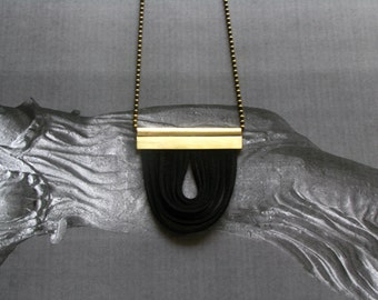 Modern Pendant Necklace-Leather and Brass Necklace-Leather Necklace-Contemporary Necklace-Brass Pandant Necklace-Modern Pendant Necklace