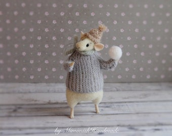 Needle felted mouse, Mice realistic, Mouse with snowball Felted animals White mouse Wool felt Mouse miniature Felted mice Mouse figurine Eco