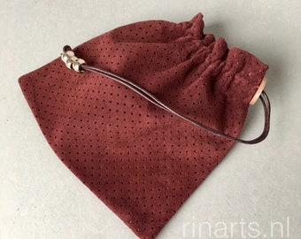 Leather drawstring pouch / drawstring purse in burgundy red suede with rose gold beads.  Coin purse. Gift bag. Gift under 10