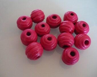 13 pink wood beads 15 mm round