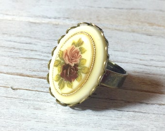 Floral Cameo Ring, Neo-Victorian Flower Bouquet Cameo Ring, Statement Ring, Purple Floral Ring, Gold Trimmed Bouquet Cream, KreatedByKelly