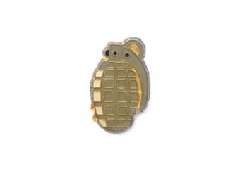 Grenade, hand grenade, bomb, war, bomb pin, bomb brooch, weapon, weapon pin, enamel pin, lapel pin, explosive, military, punk, vintage pin