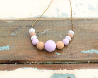 Nursing necklace pastel pink and beige, silicone teething necklace, beaded necklace pastel pink, mothers day gift, chewelry