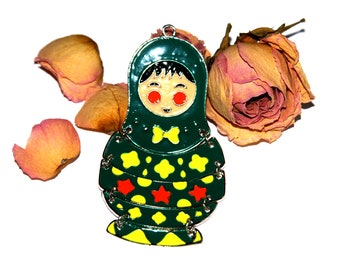 Enameled matryoshka Russian doll pendant articulated 93 X 46 X 2 mm approx