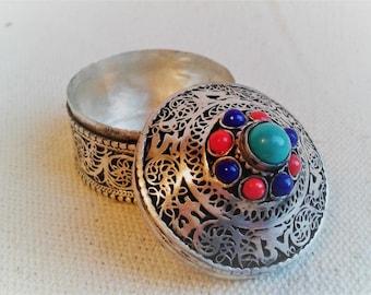 Jewelry box ethnic Nepal Tibetan - pill box - world craft