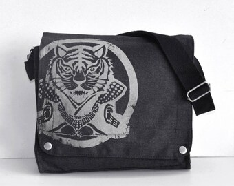 Year of tiger Canvas Messenger Bag