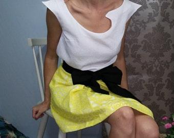 White top asymmetrical / short sleeves. 00816