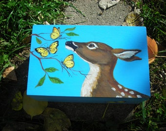 Deer box with lid.