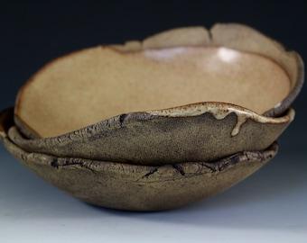 Serving bowls in Nutmeg