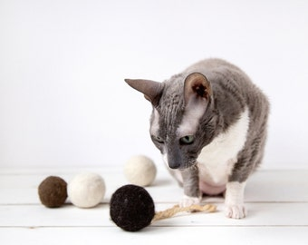 Cat toy felted ball with sisal rope dark brown - felted cat toy - catnip ball