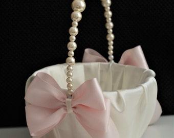 Pearl Wedding Basket \ Ivory Wedding Basket with Pearl handle \ Pink Flower Girl Basket \ Pink Wedding Ceremony Basket with pearls