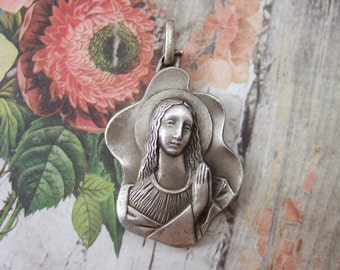Blessed Virgin Mary praying large pendant medal heavyweight silver finish modern art deco style
