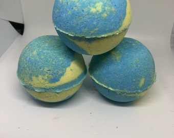 Lemon and blueberry bath bombs