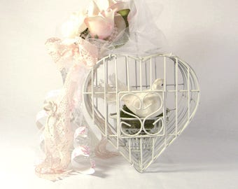 Shabby Chic Heart Shape Birdgage