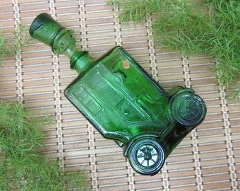 FREE SHIPPING Green Glass Car Decanter Bottle Person Head Top Hat Stopper Depose Italy ES Bessi 66 Automobile 60s Barware Vintage (438)