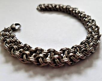 Women's bracelet; chainmail bracelet; stainless steel jewelry