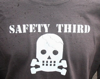 SS CRACKED SKULLY Safety Third tshirt  Mens Short Sleeve safety tshirt s - xxl head injury Dirty Jobs safety 3rd etsybrc asphalt gray, black