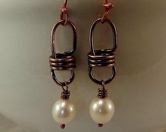 D'eau douce perles et boucles d'oreilles lien ampoule de cuivre